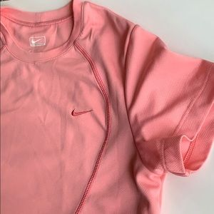 Women's Nike performance workout too small